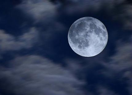 Full-Moon_2624117b